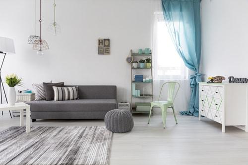 Tips om je woonkamer lekker koel te houden - Wonenwereld