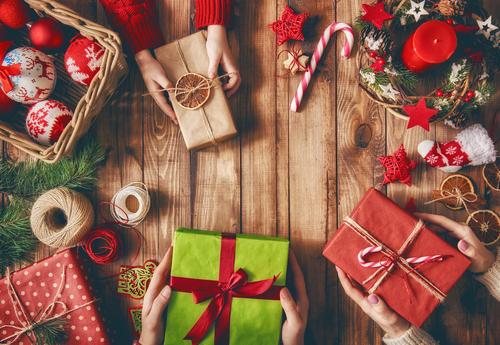 Zo bespaar je geld tijdens de feestdagen