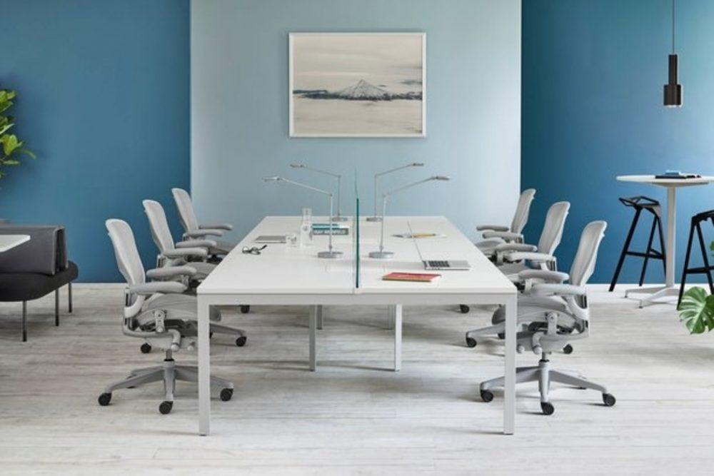 Goede bureaustoelen essentieel bij het inrichten van een thuiskantoor