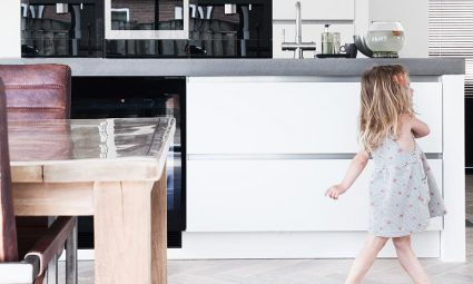 4 handige schoonmaaktips voor ouders met jonge kinderen