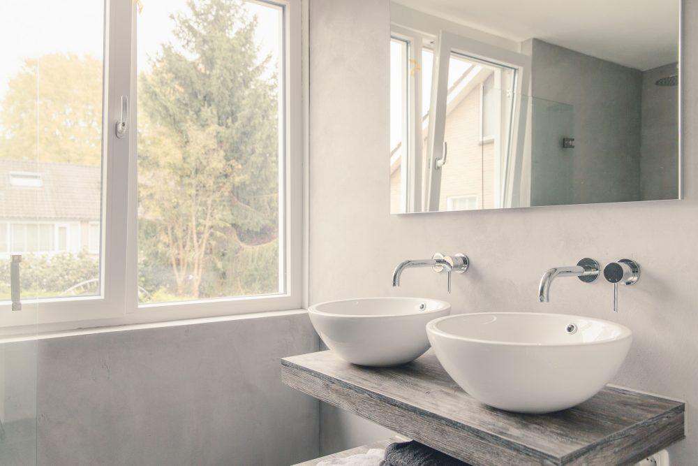 Alles wat je moet weten over een betonlook badkamer