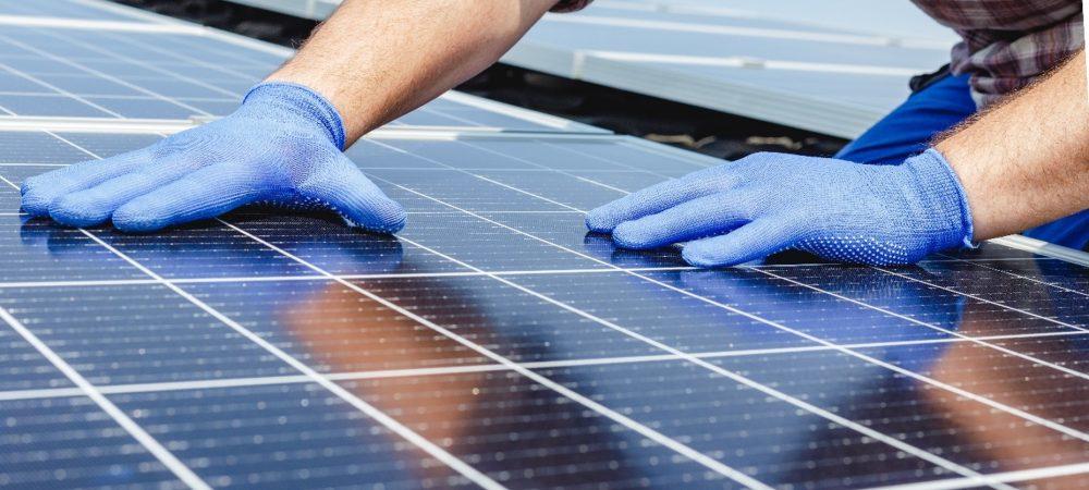 Waar moet je op letten bij het plaatsen van zonnepanelen?