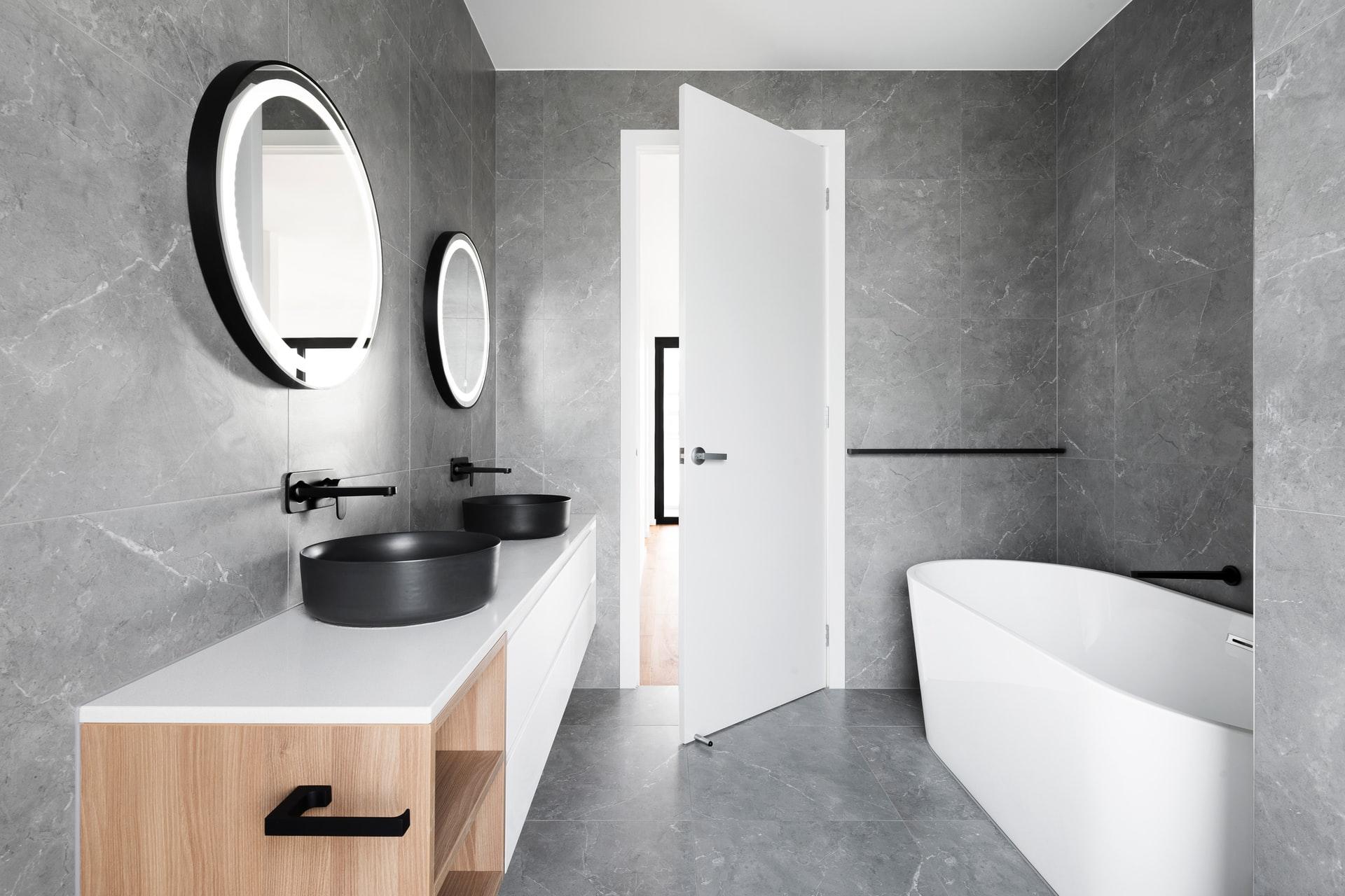 Simpele tips om je badkamer weer te laten stralen